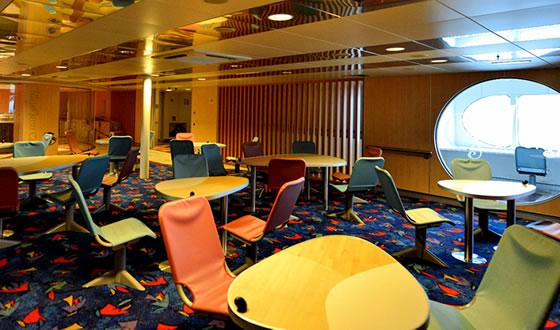 第三層甲板公共休息區